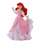 Ariela v růžových šatech
