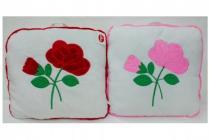 Polštář s růžemi plyš 40x40cm - mix barev
