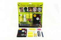 Barvy obličejové s doplňky na kartě karneval