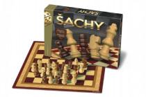 Šachy dřevěné společenská hra