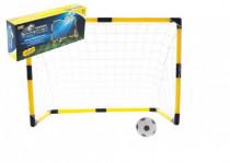 Fotbalová branka s míčkem a pumpičkou