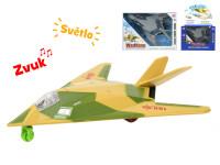 Letadlo vojenské 25 cm na setrvačník na baterie se světlem a zvukem - mix barev